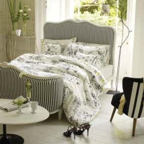 Decorating-With-Stripes-Chic-Striped-Home-Decor-Idea-34