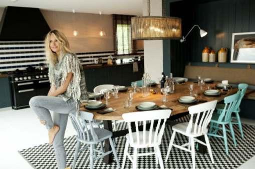Elles-macpherson-striped-kitchen