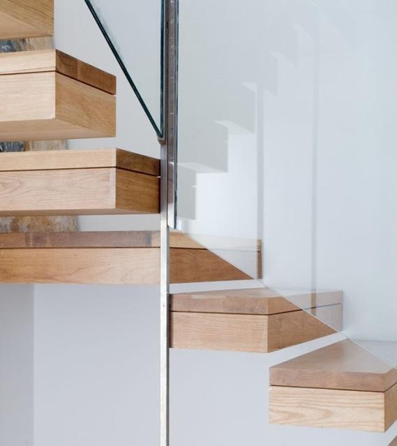 inside stair 04